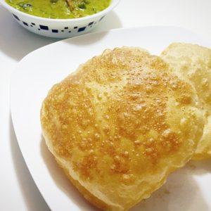 Poori,poori recipe,how to make poori,poori preparation with step by step images,south indian food,north indian food,food,poori preparation