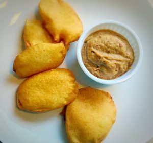 bonda,vadai,masala vadai,medhu vadai,hotel,saravana bhavan,paruppu vadai,kara vadai,ulundu vadai,adai,chutney,oil,frying,besan,kadalai mavu.idli,sambar,dosa,potato bajji,bajji,south indian snacks,evening snacks,snacks,Urulaikizhangu bajji,aloo bajji,South Indian Dishes,North Indian food,vegetarian,Tamil Brahmin Recipes,Dosa varieties,sambar,Kootu,Kuzhambu,rasam,rice recipe,idly,chutney,adai,desserts,side dish for idli dosa,salads,vegetable curry,roti,parathas,Idiyappams,breakfast recipes,podi,pickles,Lunch box recipes,vegetable biryani,korma