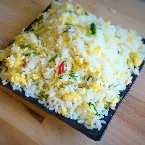 egg,rice,egg rice,how to prepare egg rice,breakfast recipe,break fast ideas,lunch recipe,lunch ideas,dinner fast ideas,dinner recipe