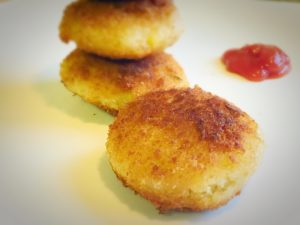 cutlet,rava cutlet,snacks,evening snacks,vegetable cutlet,sauce,bread crumbs,corn cutlet,fritters,sooji cutlet,semolina cutlet,bonda,south indian,indian snacks,teat time snacks,maida mix,bajji,sandwich,rava dosa,rava idly,north indian recipes,rava veg cutlet,sooji veg cutlet,rava corn cutlet,semolona veg cutlet,tomato sauce,vegetable fritters,crunchy munchy snacks,quick snacks,instant rava cutlet,instant sooji cutlet,instant semolina cutlet