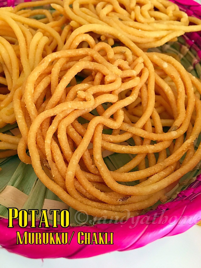 Potato murukku