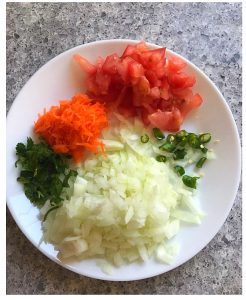 chop veggies for quinoa uttapam